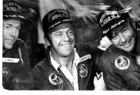 Recibimiento a la tripulación del Apolo 14 abordo del USS New Orleans