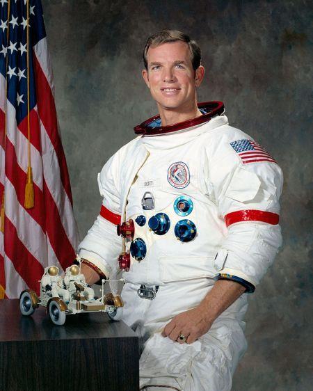 David Scott, comandante del Apolo 15. Séptimo hombre en pisar la Luna.